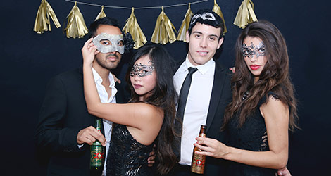 Halloween: Quick Guide to Hosting a Masquerade Party